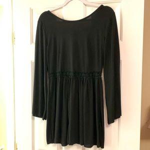 Gorgeous Long sleeve blouse EUC